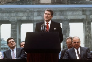 ronald-reagan-berlinwall