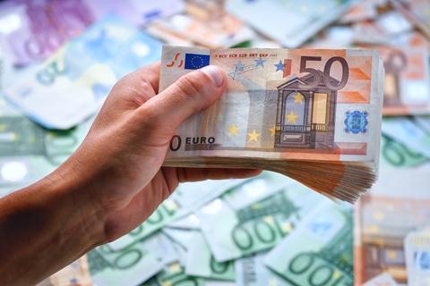 Cash Is Dead - Long Live Cash! •