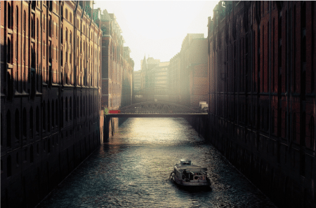 For a Virtuous Free Trade: Edmund Burke's Economic Vision • Hamburg e1561830811163
